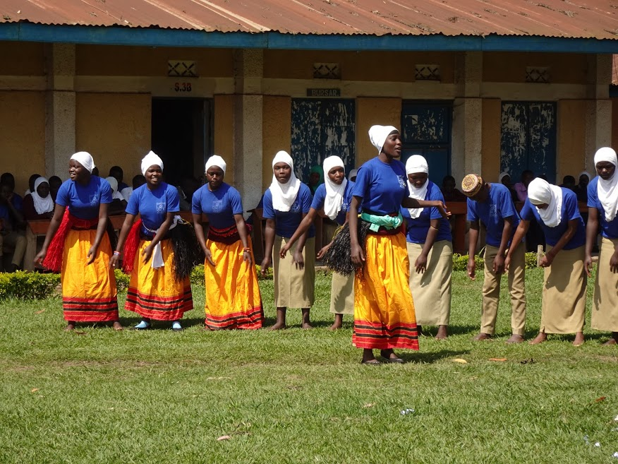 The Peer Education Kabarole program has brought sexual & reproductive health education to over 30,000 secondary students since its inception. Curriculum materials that reflect the local context have been created in the areas of oral health, sexual & reproductive health and mental health (in progress).
